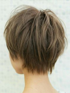 Best Bob Hairstyles & Haircuts for Women - Hairstyles Trends Wavy Bob Hairstyles, Short Bob Haircuts, Short Hair With Layers, Short Hair Cuts For Women, Light Hair, Hair Dos, Hair Trends, Curly Hair Styles, Hair Beauty