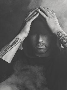 Shady is my idol!❤️ I am on Shady's side in any diss he does! Eminem 2017, New Eminem, Eminem Lyrics, Eminem Rap, Eminem Quotes, Eminem Logo, Eminem Style, Craig Mcdean, Elton John Eminem