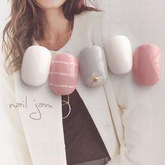 ネイル(No.2018445)|フラワー |オフィス |デート |パーティー |グレー |春 |ボーダー |ピンク |ジェルネイル |ホワイト |ワンカラー |ハンド |チップ |ショート | かわいいネイルのデザインを探すならネイルブック!流行のデザインが丸わかり!