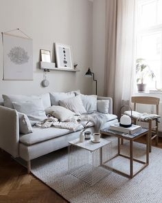 Coco Lapine Design's IKEA Söderhamn sofa style makeover Ikea Living Room, Small Living Rooms, Home And Living, Modern Living, Couches For Small Spaces, Cozy Living, Interior Design Living Room, Living Room Designs, Söderhamn Sofa