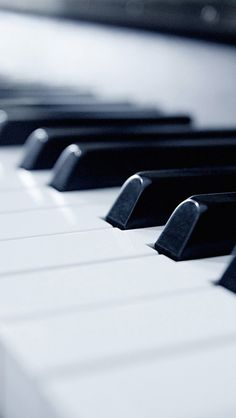 Piano Keys iPhone5 Wallpaper (640x1136)