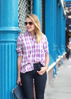 @TheSteeleMaiden early Fall style in plaid boyfriend shirt, aviators and @Talbots jeggings