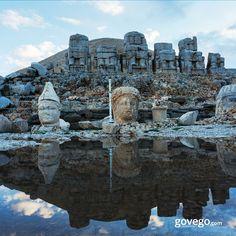 Haftanın son gününde Adıyaman'dayız. ️ 1987'de UNESCO Dünya Miras Listesi'ne alınan Nemrut Dağı yamaçlarındaki Komagene Krallığı'na ait kalıntıları, 8-10 metrelik dev heykelleriyle ve tüm ihtişamıyla ziyaretçilerini bekliyor. Yoksa Sen hala gitmedin mi? ------------------------ goveog.com/otobus-bileti