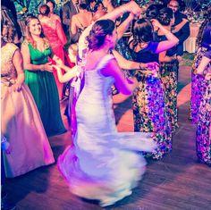 Spinning around  #luispedrogramajophotography #wedinguatemala #wedding #weddingday #destinationweddingphotographer #bride #destination #destinationwedding #bridebook #weddingdecor #weddingphoto #weddingideas #weddings #weddingphotography #weddingphotographer #weddingdress #love #forever #wed #picoftheday #photooftheday #weddingideas_brides #weddingawards #weddinginspiration #HuffPostIDo #theweddinglegends #marriage #perhapsyouneedalittleguatemala #instawedding #gelinlik