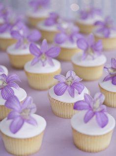 Lavender wedding cupcakes #dessert #cupcakes #lavender #weddingcupcakes #weddingideas
