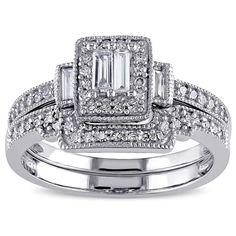 <li>Parallel baguette-cut and round diamond bridal ring set</li> <li>10-karat white gold jewelry</li> <li><a href='http://www.overstock.com/downloads/pdf/2010_RingSizing.pdf'><span class='links'>Click here for ring sizing guide</span></a></li>