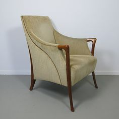 For sale through RetroStart: Progetti Arm Chair from the sixties by Unknown Designer for Giorgetti   #38943
