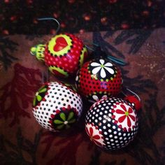 Tiny little trinkets, photo taken by a shaky coffee induced hand haha. #ornaments #decor #christmas
