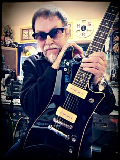 "PureSalem Guitars ""VALIENTE"""