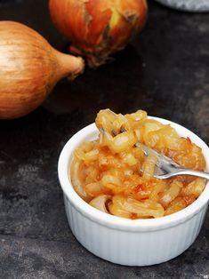 Nyt on ihan pakko jakaa hyvin yksinkertainen, mutta erittäin maukas ja monipuolisesti käyttöön sopiva resepti karamellisoituihin sipulirenk...