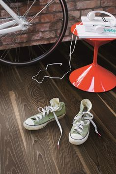 Urban Contrast is a playful style that allows designers to experiment with new shapes, patterns and colors. Modernity in the look and the function. Get urban inspiration! Contrast, Urban, Flooring, Experiment, Portland, Sneakers, Designers, Carpet, Stuff To Buy