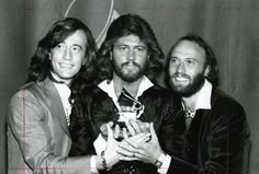Barry Gibb and the Bee Gees win a lifetime achievement award ...