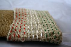 Embroidered Burlap Mallory could do this Burlap Crafts, Christmas Projects, Decor Crafts, Holiday Crafts, Holiday Ideas, Christmas Ideas, Merry Christmas, Christmas Decorations, Holiday Decor