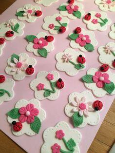 Springtime cupcake toppers