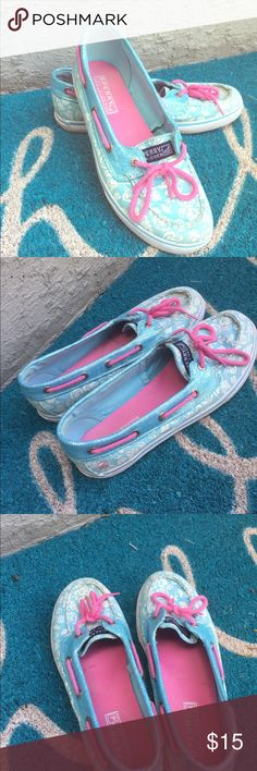 Sperry Top Sider hibiscus blue boat shoes size 5 Item shoes some wear from being gently used as shown in pictures.. nothing noticeable at all and a lot of life left in them. Sperry Top-Sider Shoes Flats & Loafers