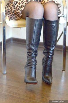 DiMarni high heels boots and leopard skirt - High Heels Fashion Leather High Heel Boots, Black Leather Boots, Heeled Boots, High Boots, Frauen In High Heels, Botas Sexy, Leopard Skirt, Stiletto Boots, Sexy Boots