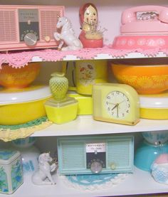 Pyrex, rainbow pyrex, pink pyrex, vintage radio, pink & aqua