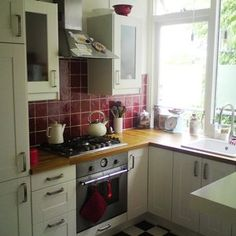 Maria S Red Cream Dutch Kitchen Small Cool Kitchens 2017 Very Consistent With The Theme I Ed Up My Single Color But Is White
