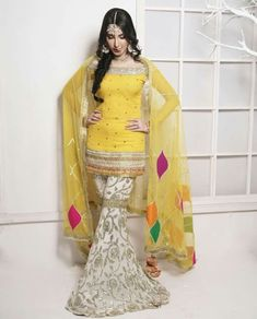 #Fashion #Style Pakistani Wedding Outfits, Pakistani Wedding Dresses, Indian Dresses, Indian Outfits, Pakistani Mehndi Dress, Stylish Dresses, Simple Dresses, Beautiful Dresses, Bridal Mehndi Dresses