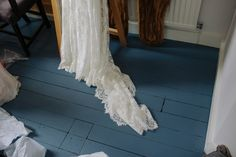 Long lace train  | Photography by http://lmweddings.co.uk/