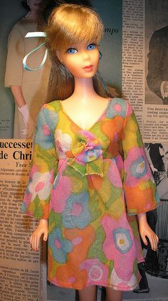 vintage barbie~~This barbie looks like Taylor Swift ;)