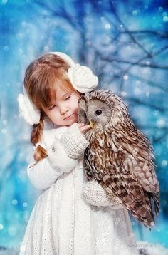 Beautiful little girl and wise ole' owl...beautiful friendship!