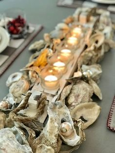Quarters One: oyster shell centerpiece at the beach Driftwood Crafts, Seashell Crafts, Beach Crafts, Oyster Shell Crafts, Oyster Shells, Jar Crafts, Decor Crafts, Seashell Centerpieces, Shell Decorations