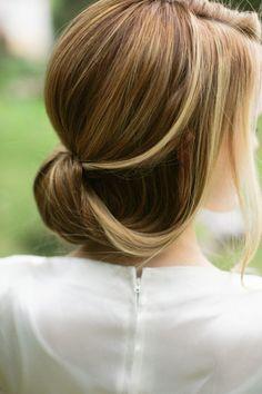 coiffure mariage cheveux mi-longs tendre et douce