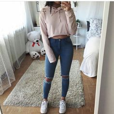 Superior Casual Fall Outfits You Need to The police officer This Saturday and sunday. Get encouraged with these. casual fall outfits for women Teenage Outfits, Teen Fashion Outfits, Fashion Clothes, Trendy Outfits, Girl Outfits, Fall Clothes, Women's Clothes, Preteen Fashion, Picture Day Outfits