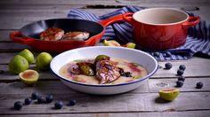 Pechuga de faisán glaseada con higos y arándanos sobre puré de yuca - Receta - Canal Cocina