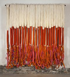 Sheila Hicks ' textile art is textural & breathtaking. Op Art, Sheila Hicks, Institute Of Contemporary Art, Textile Sculpture, Macrame Plant Hangers, Macrame Art, Buy Art Online, Fantastic Art, Textile Artists