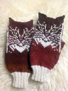 Ravelry: Double Cat pattern by Natalia Moreva