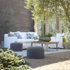 36 Comfy Fall Terrace Decor Ideas for Relax Place Comfy Fall Terrace Decor Ideas for Relax PlaceToday's patios are somewhat Outside Living, Outdoor Living Areas, Outdoor Rooms, Outdoor Furniture Sets, Outdoor Decor, Outdoor Pouf, Outdoor Seating, Indoor Outdoor, Terrace Decor