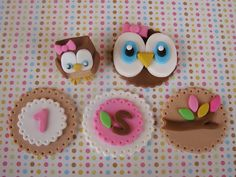 Owl Cupcake Toppers by Lynlee's Petite Cakes, via Flickr