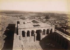 Edfou, vue prise du pylone du temple, après 1862 | Photographe : Antonio Beato