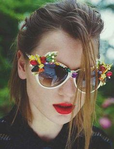 ...je trouve ça pile dans la tendance Josettes non ? ...comme quoi perles + fleurs c'est tout à fait possible ;)