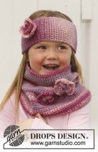 Pink Parfait - Crochet headband and neckwarmer for children in DROPS Big Delight - Free pattern by DROPS Design Crochet Kids Hats, Crochet Girls, Crochet Beanie, Knitting For Kids, Crochet Scarves, Crochet Clothes, Crochet Baby, Free Crochet, Knit Crochet