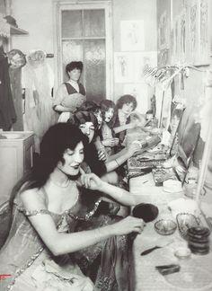 Loge d'artistes à l'Olympia (Paris), 1913