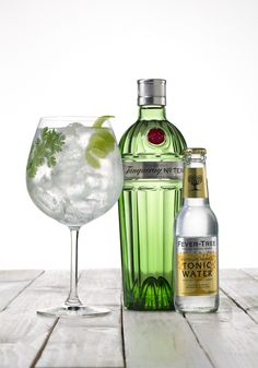 Gin tonic cítrico de Tanqueray Ten y Fever Tree tonic water