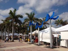 Picture of the Fort Pierce Market held every Saturday at the water front in downtown Fort Pierce, Florida.