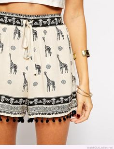 Giraffe printed shorts