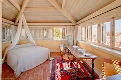 Palacio Belmonte, Lisbon, Portugal. Easy Hotel Guide #suite #interior #hotel #easyhotelguide #hospitality #hotelguide #travel #portugal #lisbon #palace #design #architecture #contemporary #history #sustainable