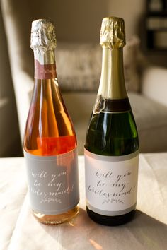 """Will you be my bridesmaid?"" free printable wine labels in white and gray #MarieeAmi #Wedding"
