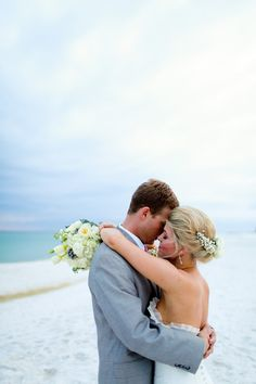 Palazzo Del Soul beach wedding / photo: katescaptures.com