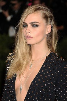 Celebrity Super Side Parts - Cara Delevingne