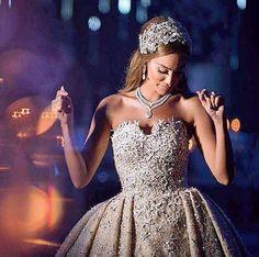 TIP #1 : Enjoy your wedding  •••••••••••••••••••••••••••••••• ▪Wedding planner : Mine events @pamelamansourmehanna @ramzi_mattar . ▪Photographer: Brightlightimage @brightlightimagephotography . ▪Makeup artist : Bassam fattouh @bassamfattouh . ▪Wedding dress : Zuhair murad @zuhairmuradofficial ▪Hair dresser : Tony el mendelek @tonyelmendelek . ▪Floral decoration: Ikebana @ronibassil . ▪Lighting : Prism @prismlebanon . ••••••••••••••••••••••••••••••••••••• #lebaneseweddings #yassbad…