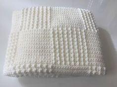 C comme... Couverture tuto crochet gratuit du modèle. Free crocheted blanket pattern (french) (scheduled via http://www.tailwindapp.com?utm_source=pinterest&utm_medium=twpin&utm_content=post81566307&utm_campaign=scheduler_attribution)