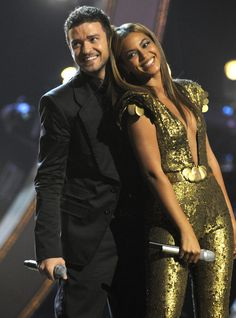 Justin Timberlake and Beyoncé... I would cut my face off to see them together in concert.