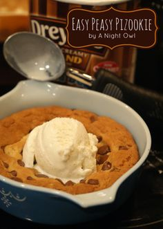 The perfect dessert for two, try one of these delicious pizza cookie, skillet cookie - Pizookie Recipes! Cookie Desserts, Just Desserts, Cookie Recipes, Delicious Desserts, Dessert Recipes, Yummy Food, Tasty, Holiday Desserts, Chocolate Desserts