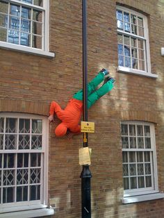 Bodies in Urban Spaces by Pete Gibbons, via Flickr